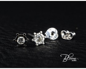 Diamonds Stud Earrings 18K White Gold