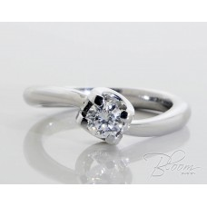 Incredible Engagement Ring with Diamond 18K