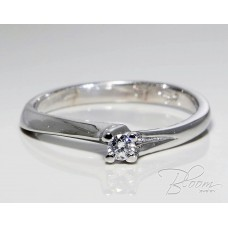 Beautiful Engagement Ring with Diamond 18K