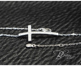 White Gold Diamond Cross Bracelet 18K
