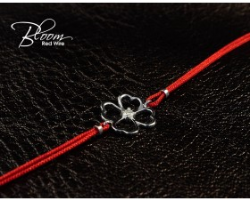 Gold Clover Red String Bracelet