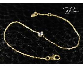 Delicate Yellow Gold Diamond Bracelet