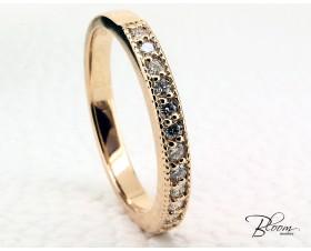 Elegant Diamond Eternity Ring 18K Rose Gold