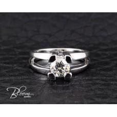 Elegant Diamond Engagement Ring 18K White Gold