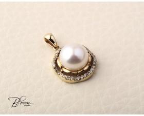 Delicate White Pearl Gold Pendant