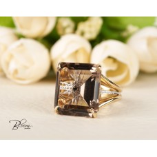 Smoky Quartz Ring in 18K White and Yellow Gold and Tiny Black Diamond Bloom Jewellery
