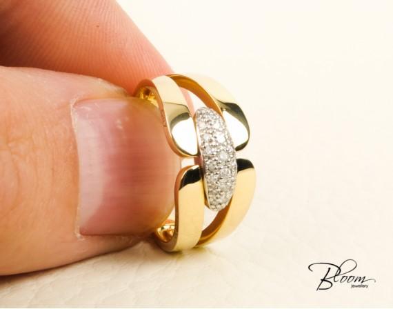 18K White and Yellow Gold Diamond Ring Guy Laroche