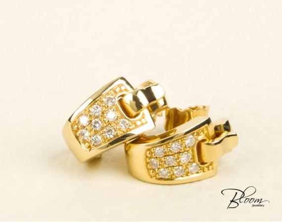 18K Yellow Gold Diamond Stud Earrings Guy Laroche