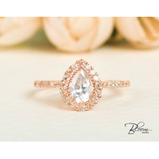 Pear Shape Halo Engagement Ring 14K Roze Gold Cubic Zirconia Stones Bloom Jewellery