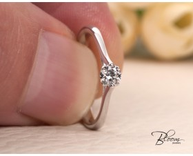Engagement Ring with Diamond Stone made of 18K White Gold Bloom Jewellery