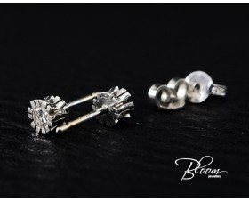 Unusual Diamond Stud Earrings 18K